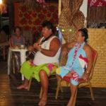 Jour 17 - Tikehau soirée à la pension 2 (ukulele)