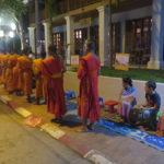Jour 15 - procession des moines au petit matin 6