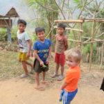 Jour 17 - Stop dans un village Kamu 7 (criquet géant)